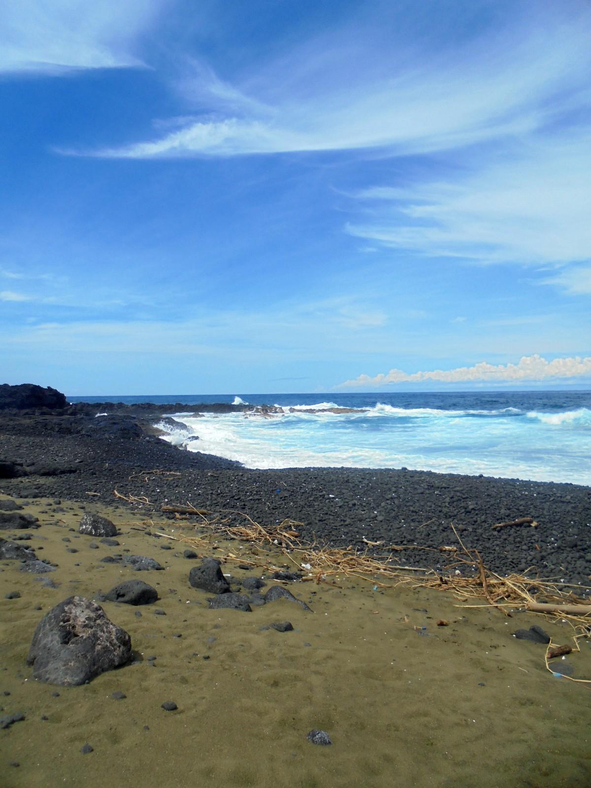 Plage volcanique, Sainte Rose, Ile de la Réunion