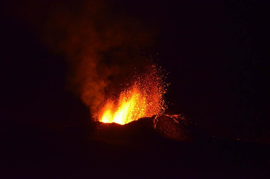 éruption volcanique au piton de la fournaise, ile de la Réunion, Piton de bert, 2017