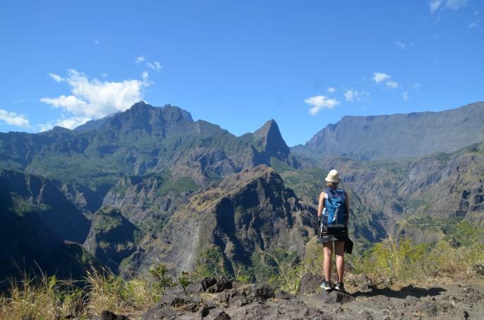 Mafate par la canalisation des orangers, ile de la Réunion