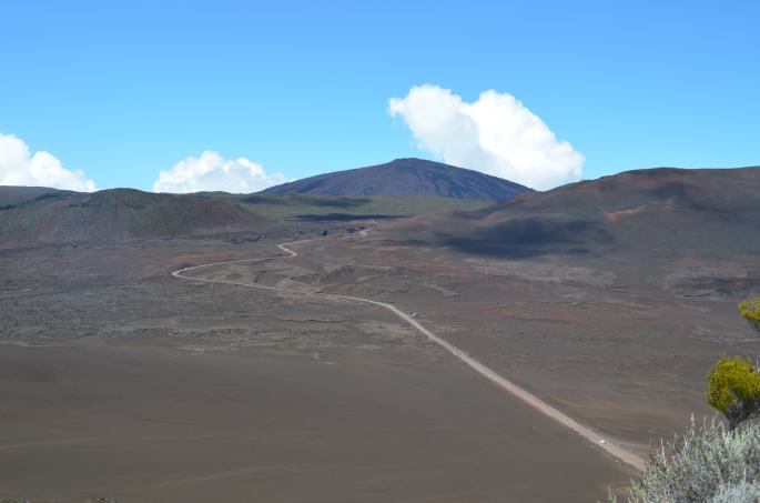 Plaine des sables et le Piton de la fournaise, ile de la Réunion