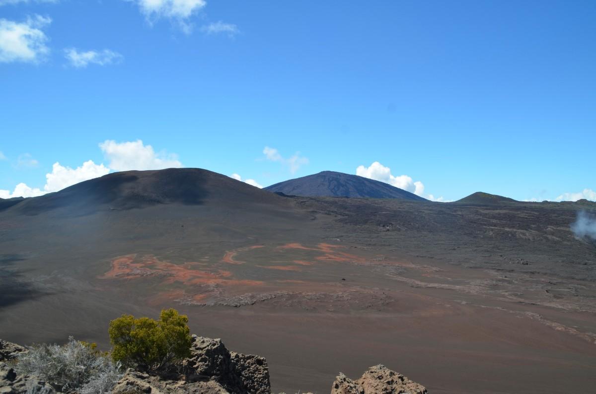 Plaine des sables et Piton de la Fournaise , Ile de la Réunion