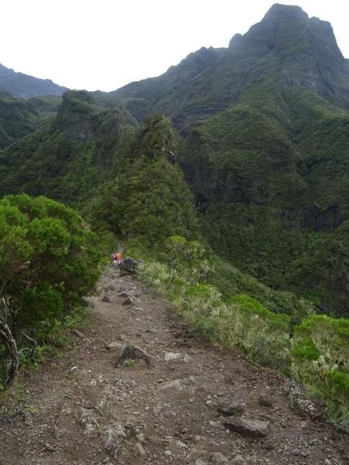 La crête des deux fesses Mafate Sentier Scout Ile de la réunion randonnée
