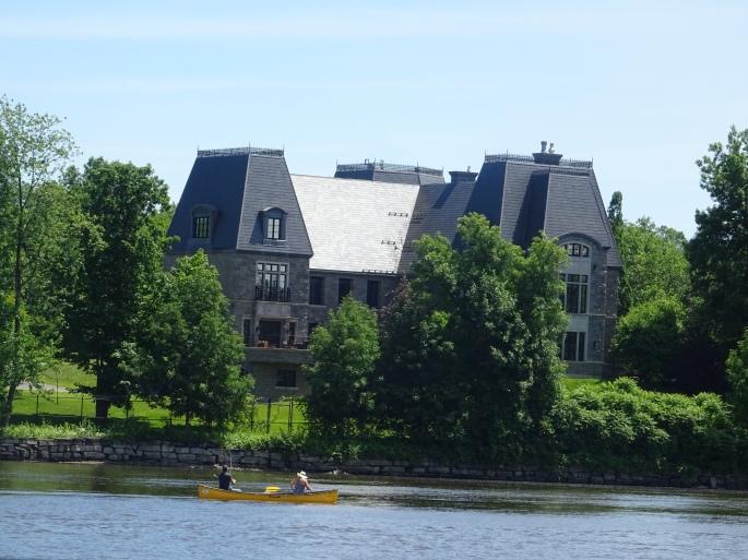 Parc de la rivière des milles iles Laval Canada Céline Dion maison