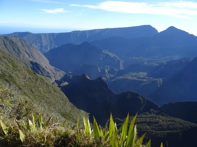 Randonnée Ile de la Réunion Ilet Alcide depuis le Maido vue sur le cirque de Mafate