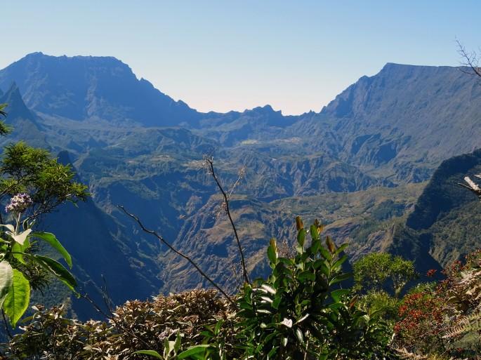 Randonnée Ile de la Réunion Ilet Alcide depuis le Maido vue sur le cirque de Mafate paysages
