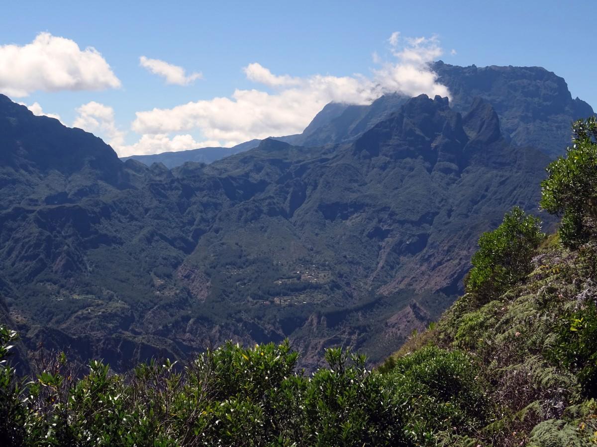 Randonnée Ile de la Réunion Ilet Alcide depuis le Maido vue sur le cirque de Mafate paysage