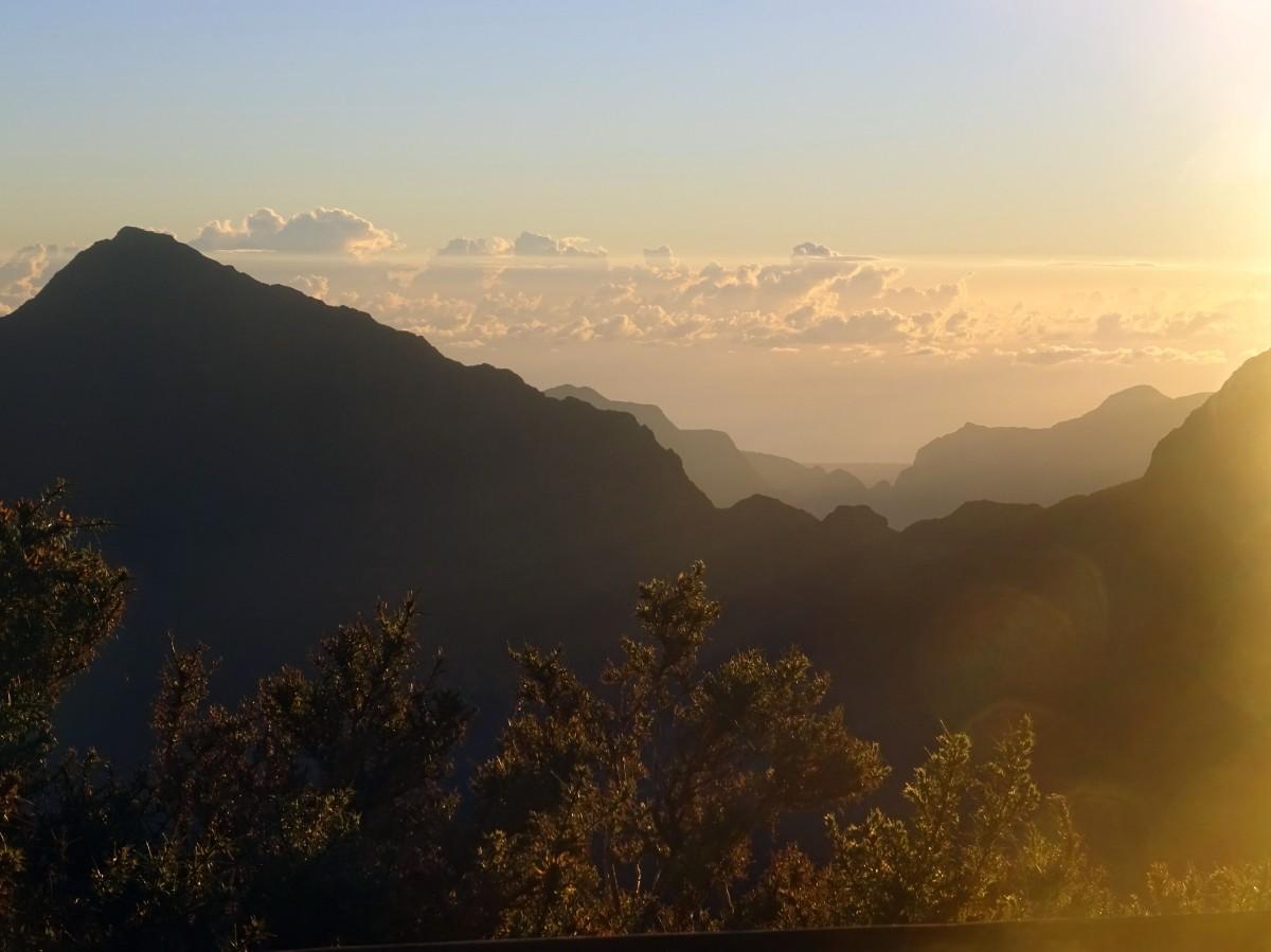 Randonnée Ile de la Réunion Grand Bénare depuis le Maido vue sur le cirque de Mafate