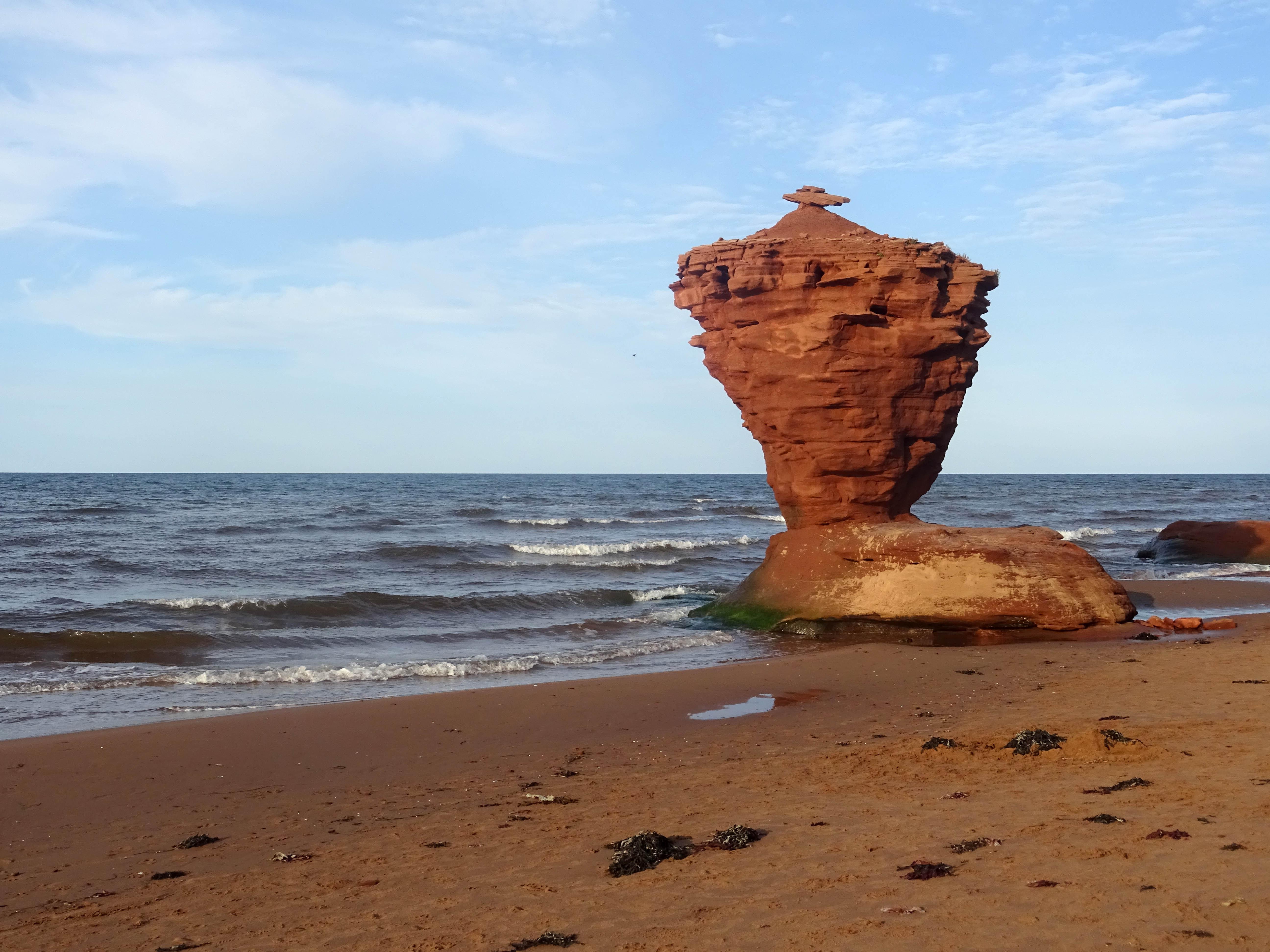 Plage Canada Ile du prince edouard en été Tea cup rock Thunder cove beach itinéraire road trip
