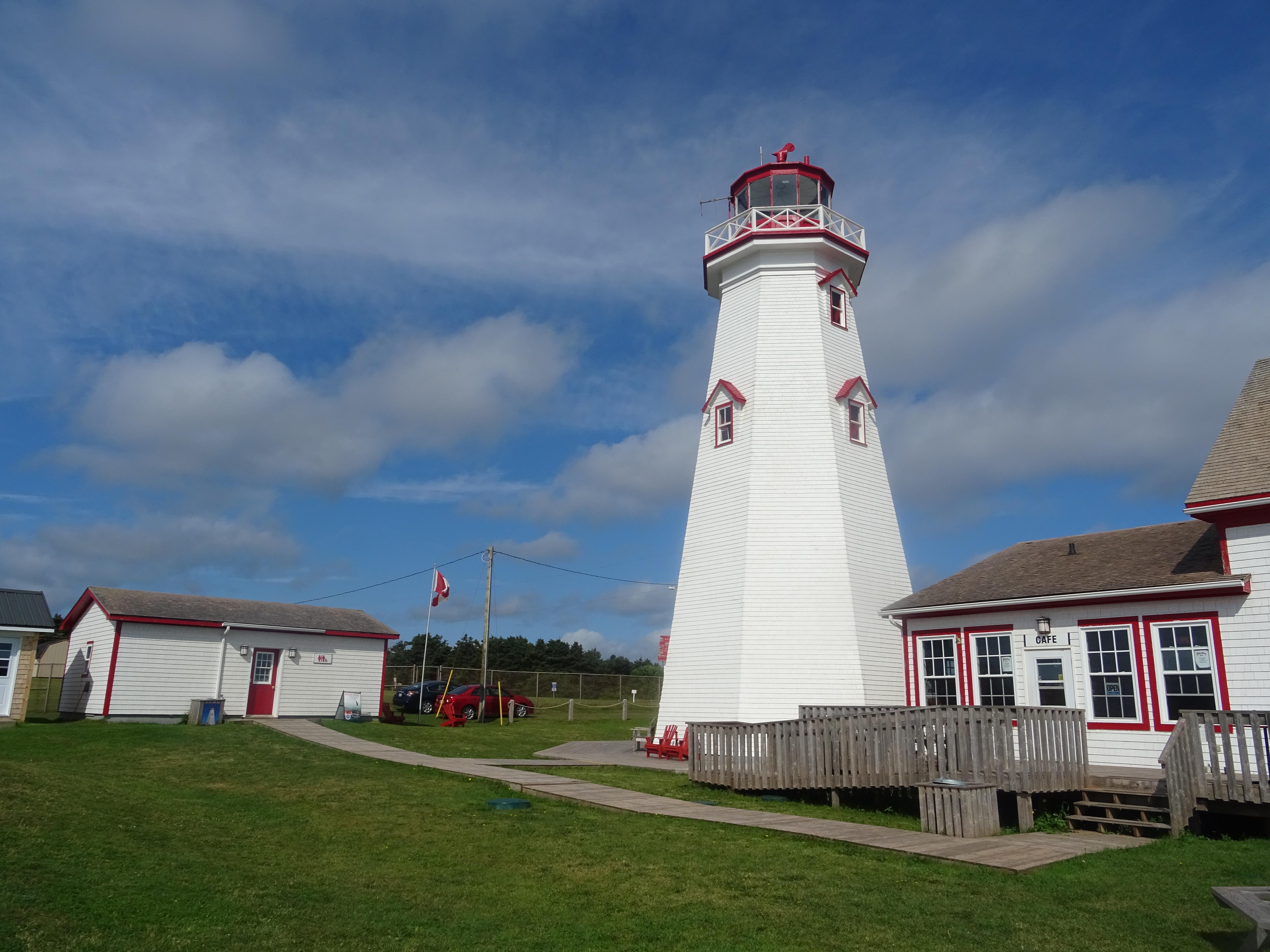 Phare Ile du prince edouard East Point Canada itinéraire road trip est canadien en été