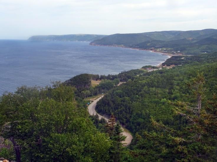 Vue sur Pleasant bay depuis MacKenzie Cabot Trail Parc national Cap Breton Nouvelle écosse itinéraire road trip est canadien