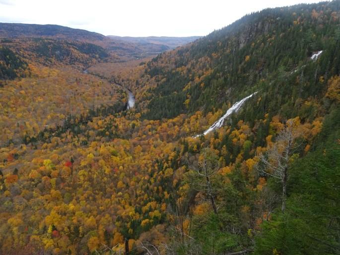 Randonnée d'automne au Québec : Chute Delaney, Vallée Bras du Nord, Canada