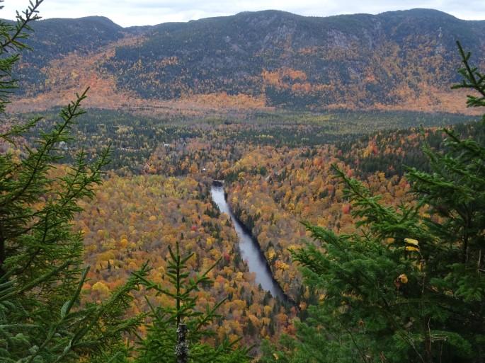 où voir les couleurs d'automne à proximité de Québec city : Randonnée Vallée bras du nord, Canada