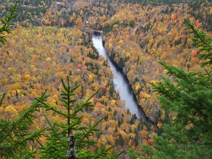 Activité d'automne à proximité de Québec city : Randonnée à la Vallée Bras du Nord, Canada