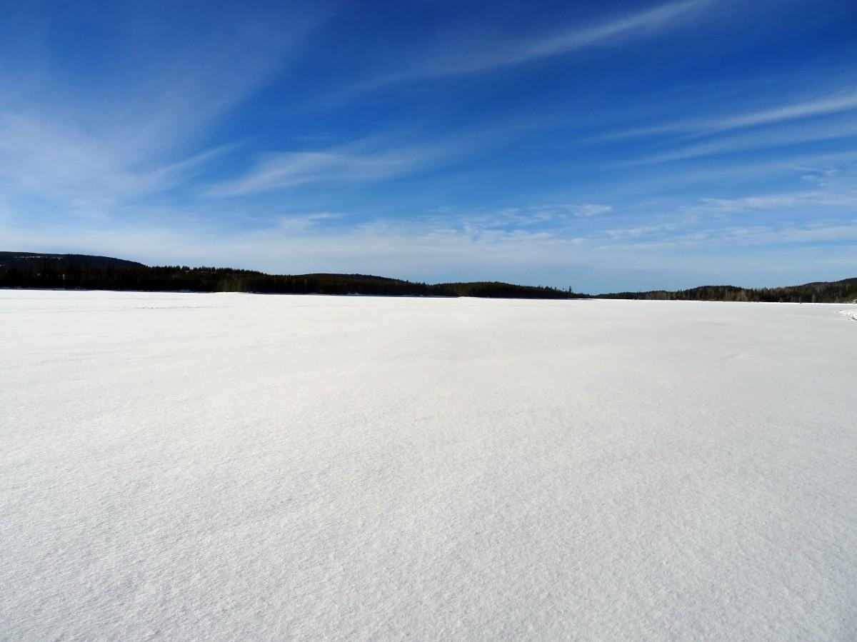 Lac gelé Hydraulic lake, Kelowna, Okanagan valley Canada en hiver