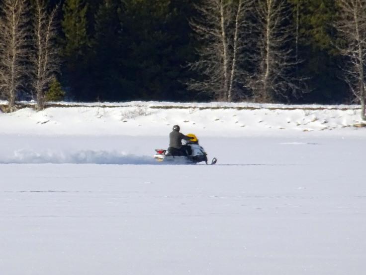 moto neige à Hydraulic lake, Kelowna Canada,