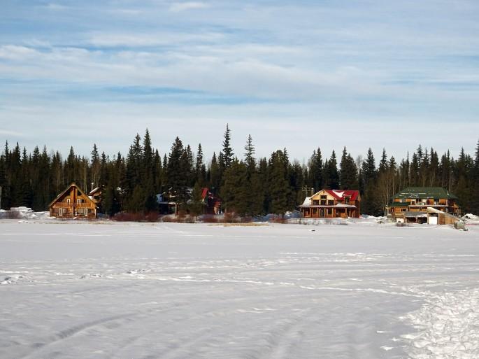 Randonnée raquette sur lac gelé (Hydraulic lake) Kelowna, Vallée d'Okanagan Canada British columbia