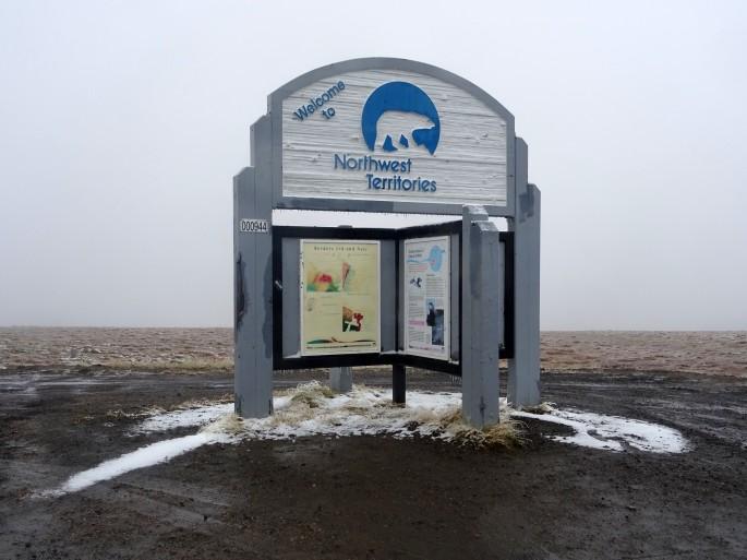 Frontière Yukon & Territoires du Nord-Ouest, Dempster Highway