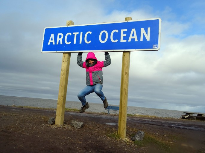 """ La Pointe "" , Panneau Océan Arctique, Tuktoyaktuk, Canada"