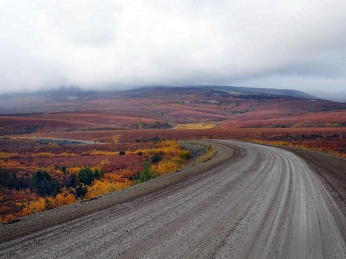 Road trip sur la Dempster Highway en automne, Yukon, Canada