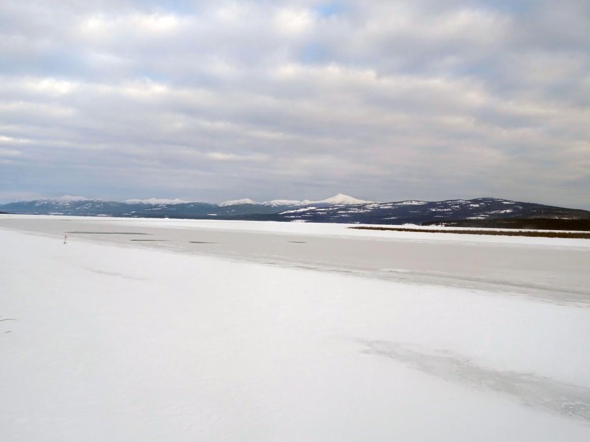 Le Lac Tagish gelé, Yukon Territory, Canada