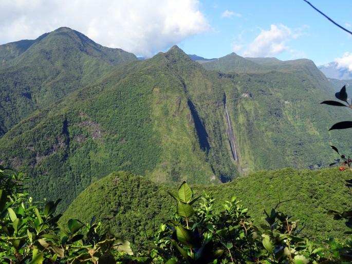 Vue sur Salazie depuis la forêt de Dioré, Saint-andré, Réunion