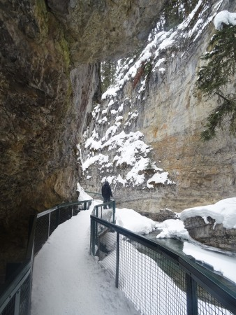Randonnée au Parc national de Banff en hiver : Johnston Canyon