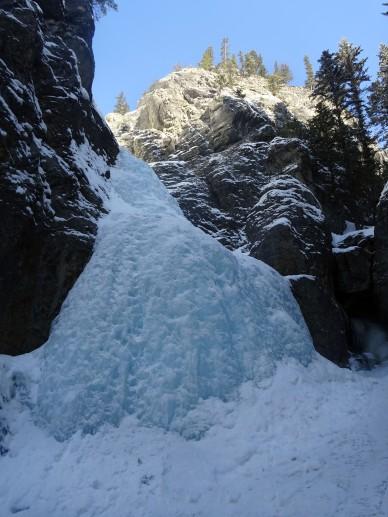 Randonnée hiver alberta Kananaskis grotto canyon cascade gelée