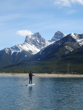 Paddle au Rundle Forebay, Canmore, Alberta