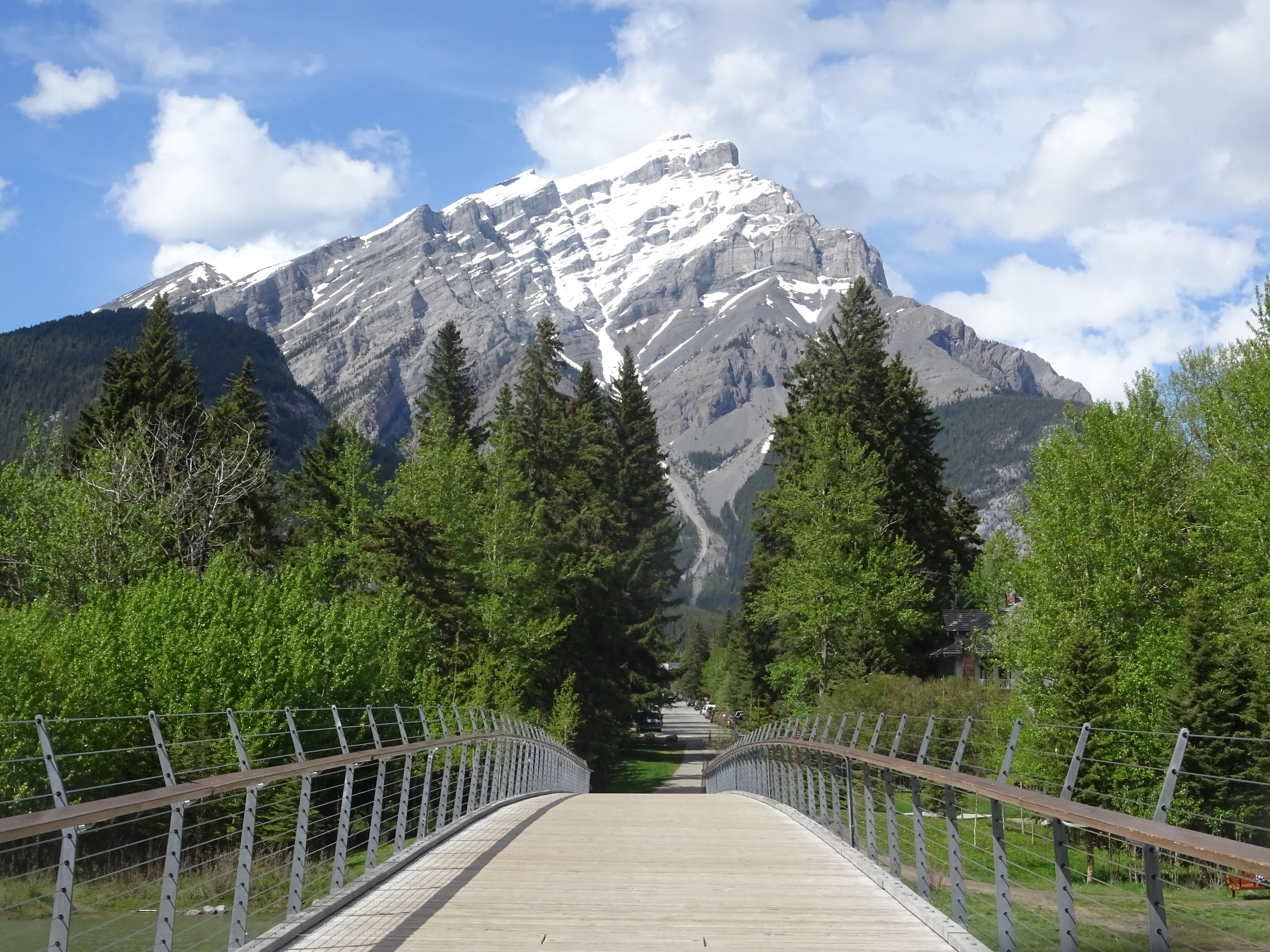 Passerelle piétonne du Parc National de Banff, Alberta, Canada